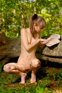 090512 - Anya - Wood Nymph (x29)e1bds41qfn.jpg